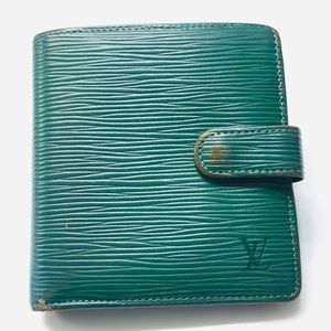 LOUIS VUITTON Epi Porte-Billets Compact Wallet